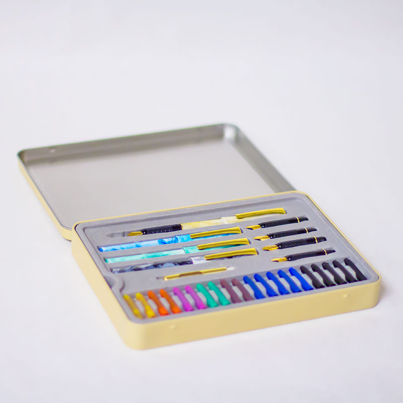Staedtler 33 Piece Calligraphy Set